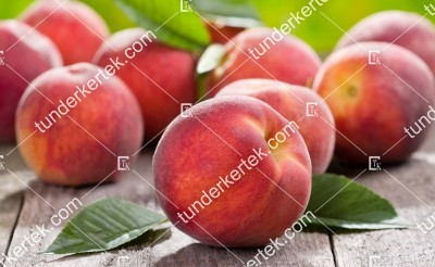 Fruit me: Peach me red