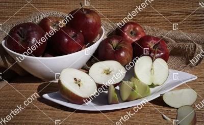 Fekete alma (Tahi)