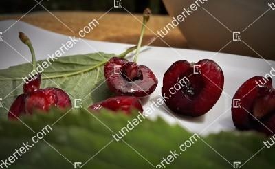 Szomolyai fekete cseresznye
